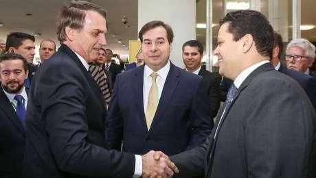 Supremo decidiu barrar reeleição dos presidentes Rodrigo Maia (Câmara) e Davi Alcolumbre (Senado), veto que estava expressamente previsto na Constituição