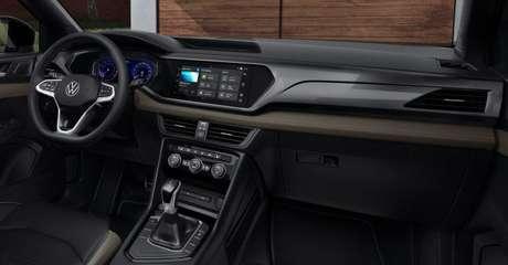"""Interior do Taos tem duas grandes telas de 10"""", para informações ao motorista e conectividade."""