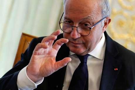 Laurent Fabius durante entrevista à Reuters em Paris 09/12/2020 REUTERS/Gonzalo Fuentes