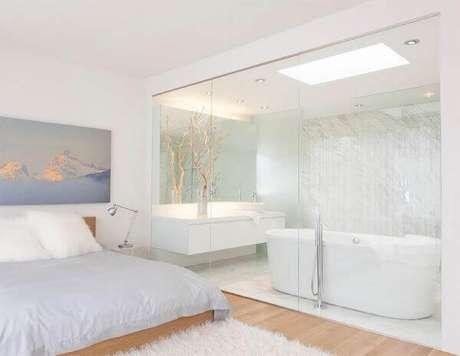 38. Decoração clean para quarto com suíte simples. Fonte: Limaonagua
