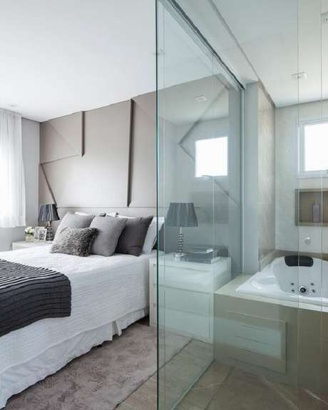 1. Modelo de quarto com suíte de vidro e banheira. Fonte: Pinterest