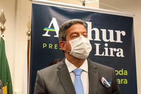 Arthur Lira nega que esteja prometendo mudanças na Ficha Limpa em troca de votos da oposição