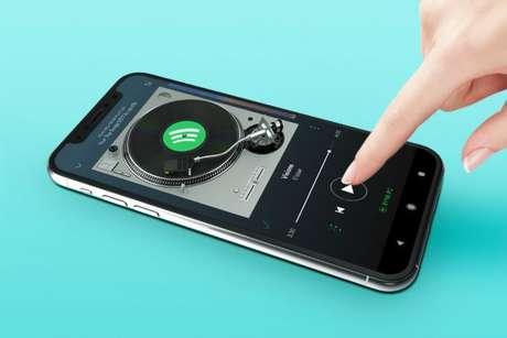 Spotify no celular. (Imagem: Unsplash)