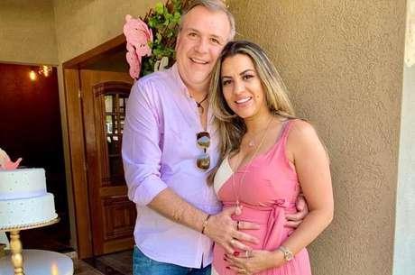 """Duda e o marido, o empresário Tarcísio Rodrigues: """"A pandemia fez a gente pensar muito sobre como vamos criar nossas filhas"""""""