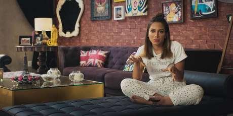 Anitta foi alvo de críticas nas redes sociais devido a cenas de discussões com funcionários em nova série