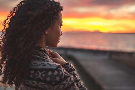 Meditar é fechar os olhos e descobrir o mundo que existe dentro de você