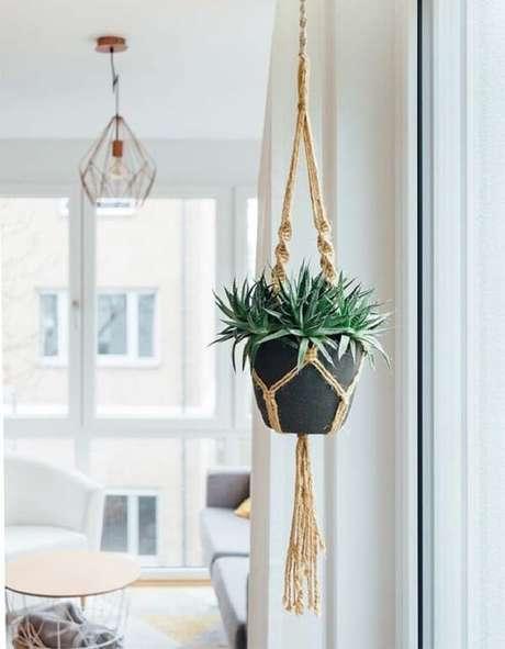32. Vasos para jardim suspenso em macramê. Fonte: Pinterest
