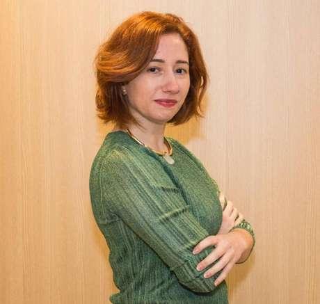 Carine Roos, especialista em liderança feminina e cofundadora da Escola Elas.