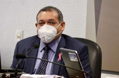 Kassio se isola no STF e ganha afagos de Bolsonaro