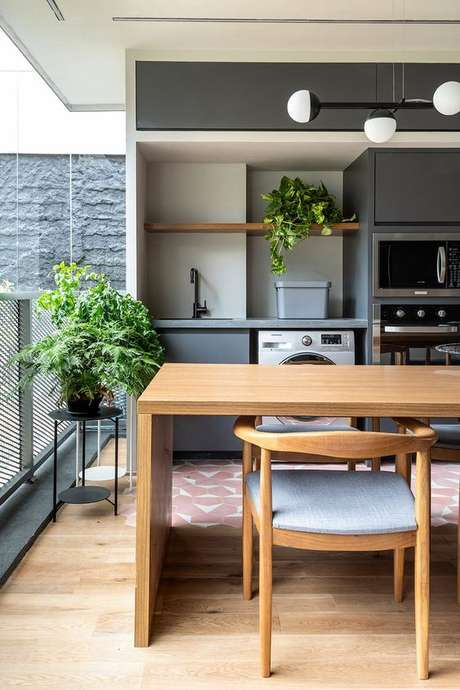 44. Mesa para varanda gourmet pequena – Via: Sala 2 Arquitetura e design
