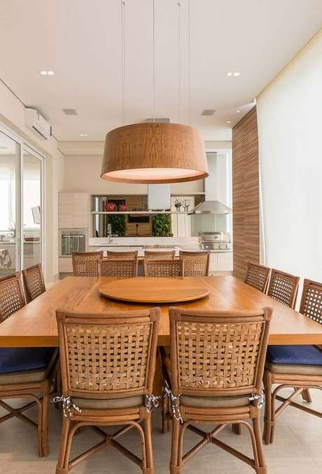 55. Mesa para varanda gourmet quadrada – Via: Arkpad