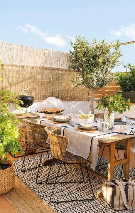 66. Mesa para varanda gourmet aberta – Via: Pinterest
