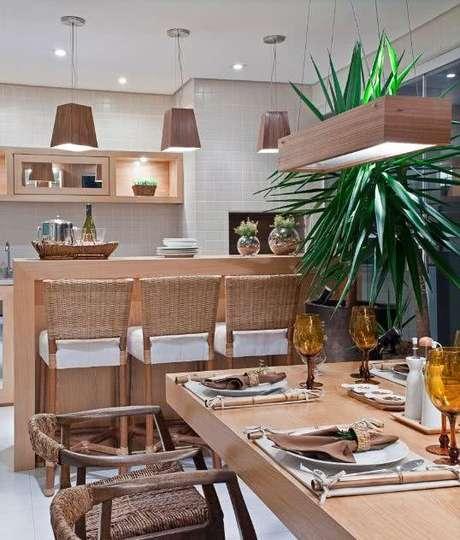 65. Varanda gourmet rustica com decoração de plantas – Via: Pinterest