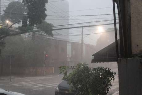 Temporal atingiu a a zona sul São Paulo na terça-feira, dia 29