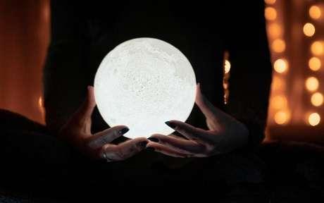 Confira como fazer o ritual da Lua Cheia -