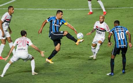 Diego Souza fez o gol na ida (Foto: Maurício Rummens/Fotoarena)