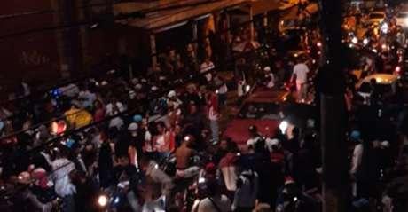 Pancadão reuniu milhares de pessoas e avançou por toda a madrugada, em Várzea Paulista, no interior