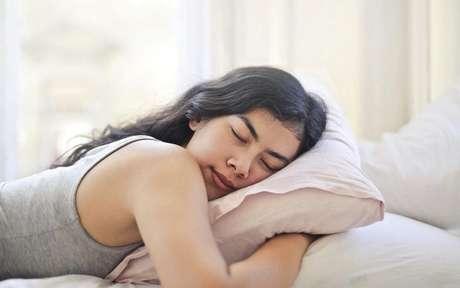 Veja a relação entre o sono e sistema imunológico e mude seus hábitos na hora de dormir -
