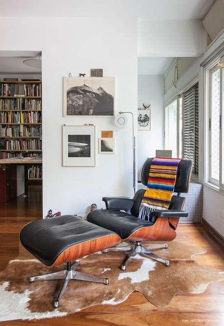 18. Poltrona Charles Eames cinza – Via: Histórias de Casa