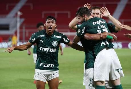 Palmeiras massacra o River Plate na Argentina e abre grande vantagem rumo à final da Libertadores