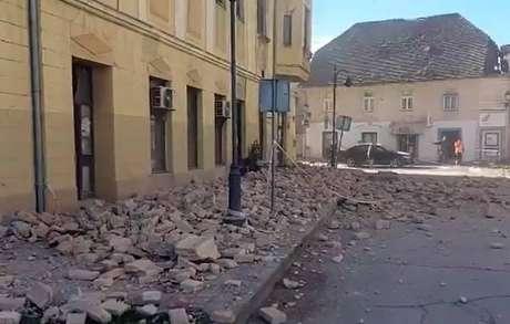 Novo terremoto ocorre poucos dias depois de forte abalo