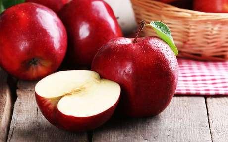 Receitas com maçã: aproveite a fruta em deliciosas sobremesas