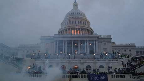 A cidade de Washington impôs um toque de recolher nesta quarta-feira a partir das seis da tarde