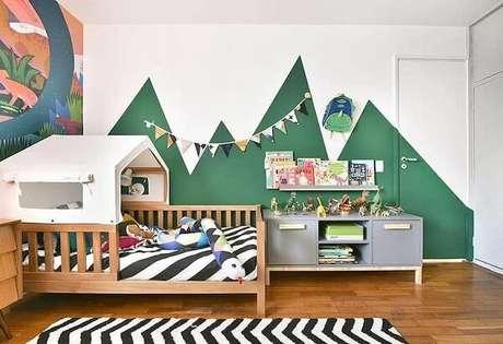43. A prateleira para quarto infantil pode servir como um organizador infalível. Fonte: Home 82