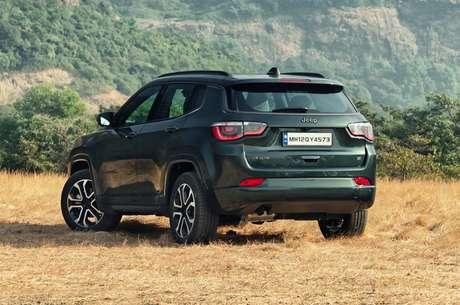 Traseira do Jeep Compass não mudou em relação ao modelo vendido no Brasil.