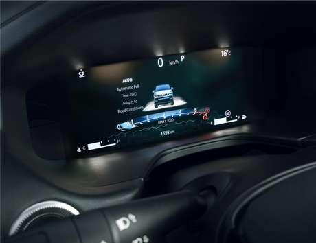 Versão topo de linha do Compass 2022 traz de série novo painel de instrumentos digital com tela de 10,25''.