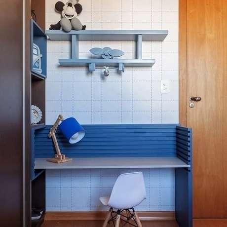52. Ideias de prateleira para quarto infantil em formato de avião. Fonte: Daniela B. Tavares Matias