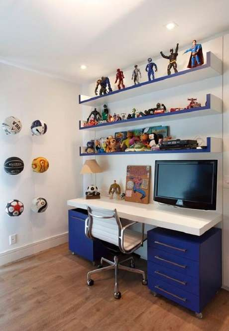 4. Invista em várias prateleiras para brinquedos quarto infantil. Fonte: Pinterest
