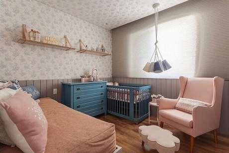 49. Modelo e prateleira para quarto com alças de couro. Fonte: Henrique Queiroga