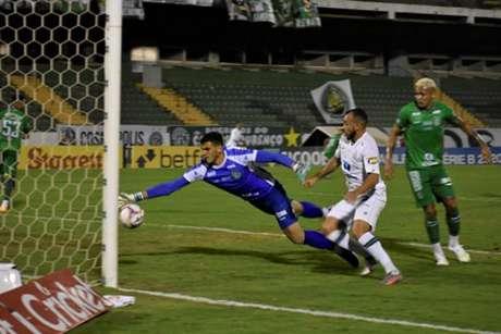 O Coelho vem de uma boa vitória fora de casa, diante do Guarani, e pode confirmar seu acesso à elite já nesta rodada-(Fernando Almeida / América-MG)