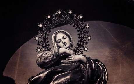 Confira as orações à Virgem Maria -