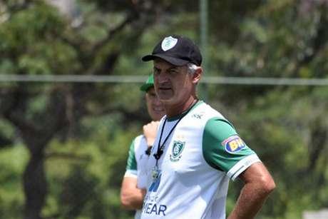 Lisca teve propostas de outros times em 2020, mas preferiu seguir no Coelho-(Estevão Germano/América-MG)
