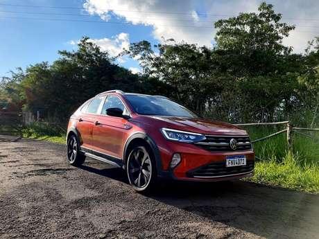 Volkswagen Nivus, o lançamento mais quente de 2020, numa bela cena no entardecer na região de Londrina.