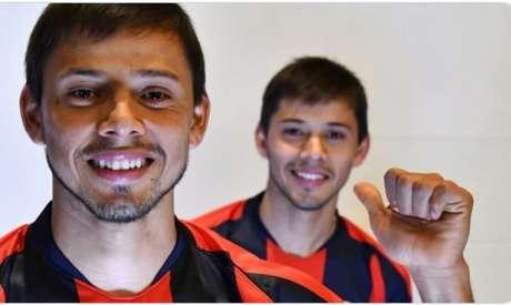 Jornal argentino colocou irmãos Romero como possíveis alvos do Corinthians (Foto: Divulgação/San Lorenzo)
