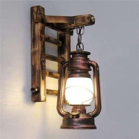 16. Arandela rústica com lampião – Via: Pinterest