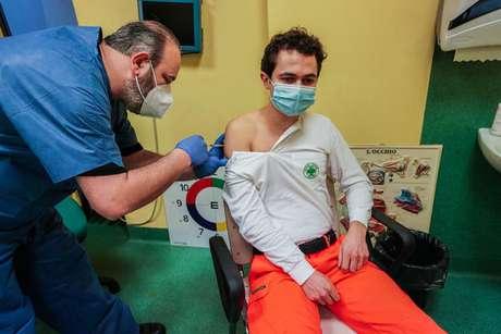 Vacinação contra o novo coronavírus em Turim, na Itália