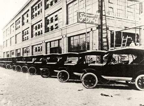A fábrica da Ford no Ipiranga foi a primeira do Brasil, aberta em 1919: adeus após 102 anos.