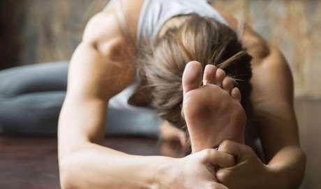 Treine a flexibilidade e reduz as chances de se machucar