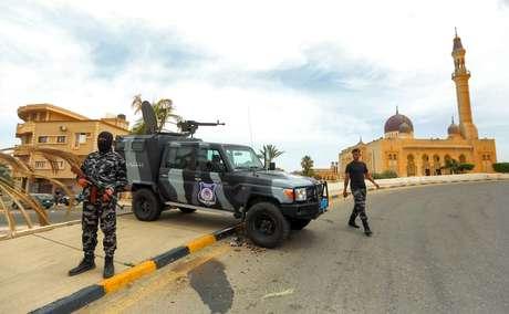 Posto de controle na cidade montado depois que irmãos Kani e general Haftar foram expulsos em junho de 2020