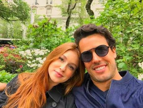 Marina Ruy Barbosa e Xande Negrão estão casados oficialmente.