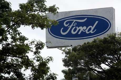 Logo da Ford em fábrica  12/1/2021 REUTERS/Carla Carniel