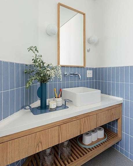 12. Use o revestimento azul para renovar seu espaço – Via: Duda Senna