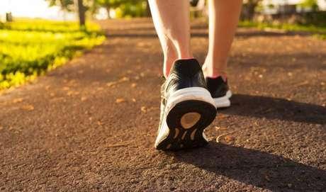 Pare de correr arrastando os pés e fuja das quedas