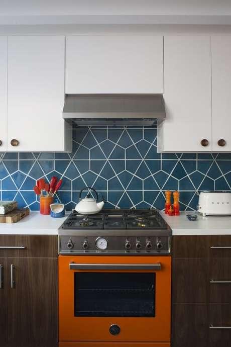 41. Revestimento azul geométrico – Via: Fireclaytile