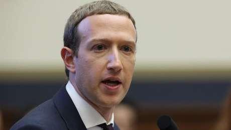 Dados do WhatsApp não serão divididos apenas com o Facebook, mas também com outras marcas pertencentes à empresa fundada por Mark Zuckerberg, como Instagram e Messenger