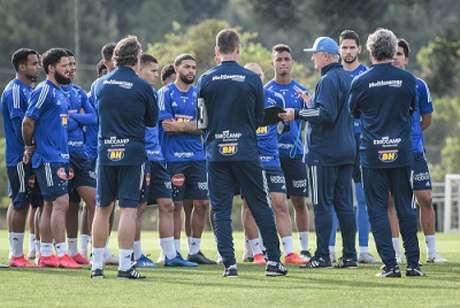Felipão está ciente do fato e não se opôs ao protesto dos atletas-(Gustavo Aleixo/Cruzeiro)